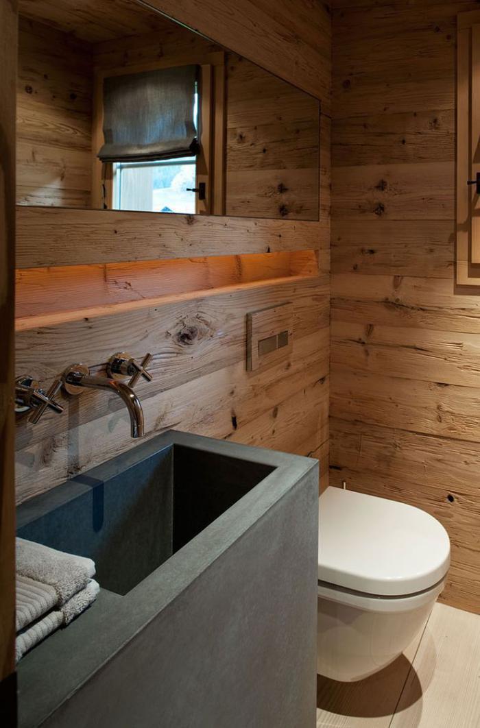 salle-de-bain-rustique-moderne-lavabo-béton-parement-mural-en-bois