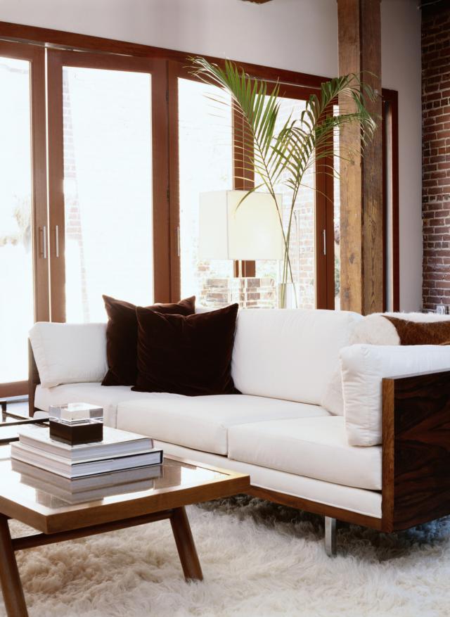 belle d coration la maison avec le tapis shaggy blanc. Black Bedroom Furniture Sets. Home Design Ideas