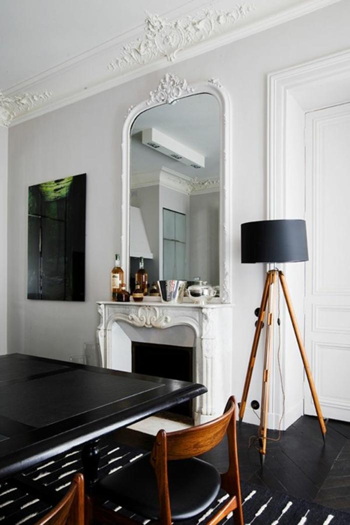La moulure d corative dans 42 photos avec des id es for Photo salon avec cheminee moderne