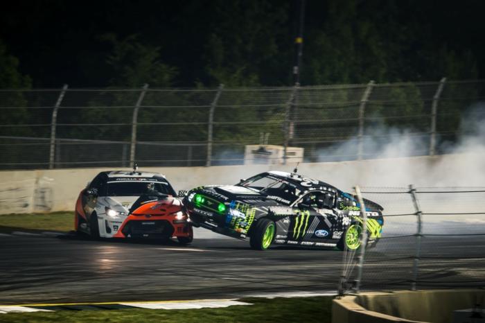 sport-automobile-voiture-cool-et-mobile-stage-de-drift-problème