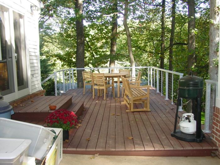 table-basse-de-jardin-en-palette-exterieur-bois