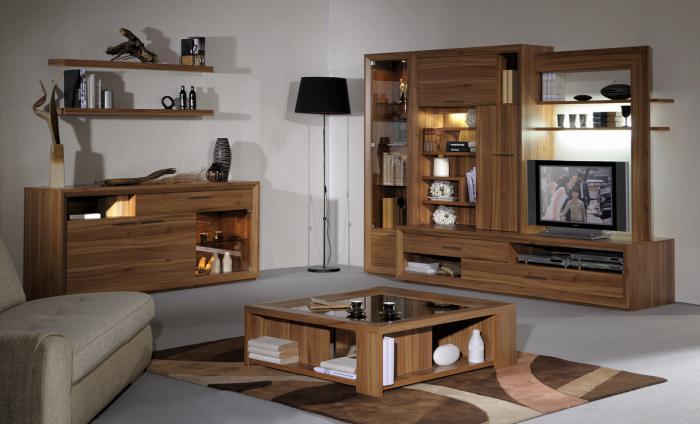 table-de-salon-carrée-aménagement-complet-en-bois-meuble-de-tv-avec-vitrines