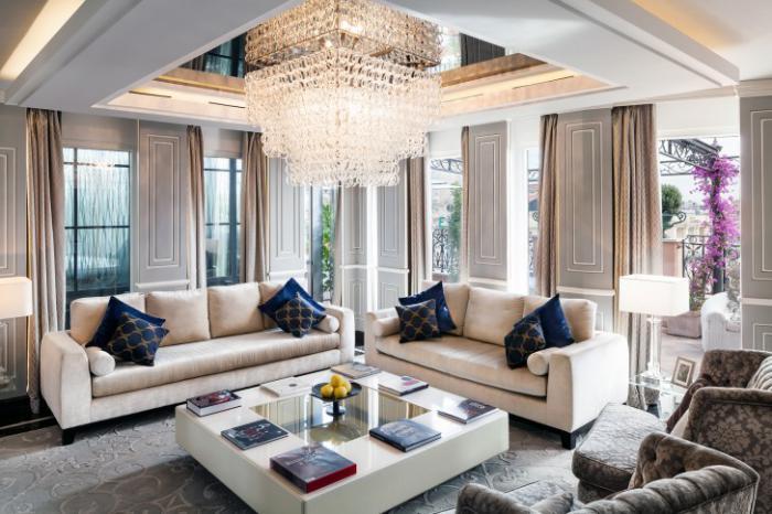 table-de-salon-carrée-appartement-impressionnant-déco-blanche