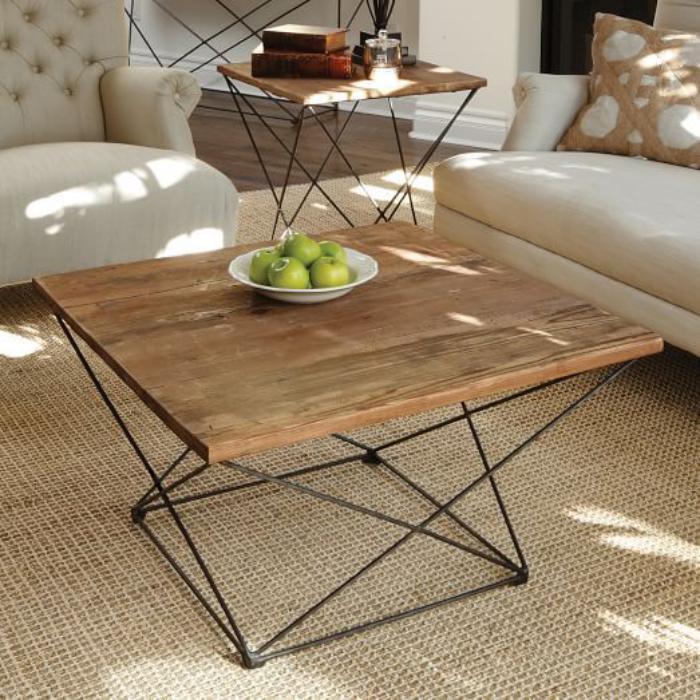 table-de-salon-carrée-en-bois-design-simple-et-beau