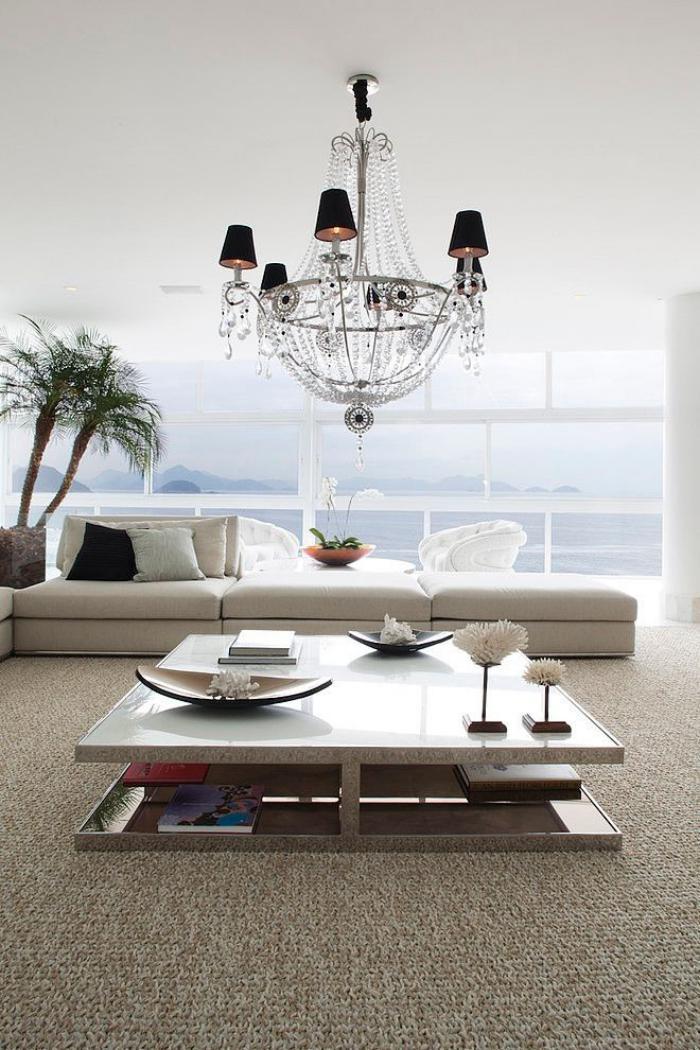 table-de-salon-carrée-salle-de-séjour-contemporaine-lustre-nouveau-baroque