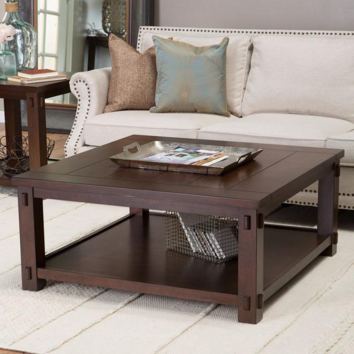table-de-salon-carrée-table-en-bois-foncé