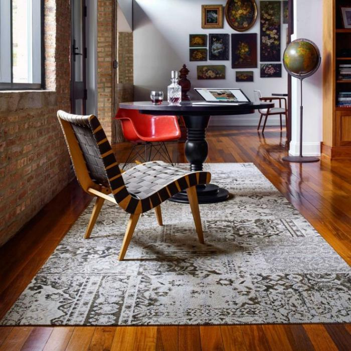 tapis-patchwork-intérieur-loft-plancher-en-bois