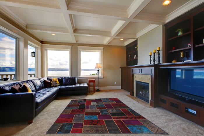 tapis-patchwork-sofa-noir-en-cuir