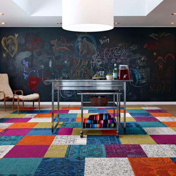 tapis-patchwork-tables-gigognes-d'acier