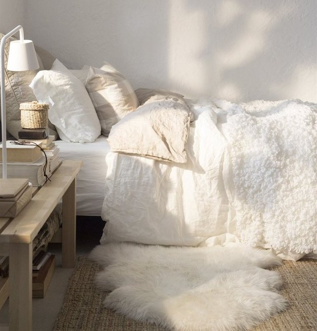 tapis-shaggy-blanc-chambre-a-coucher-idee-tumblt-deco-jolie