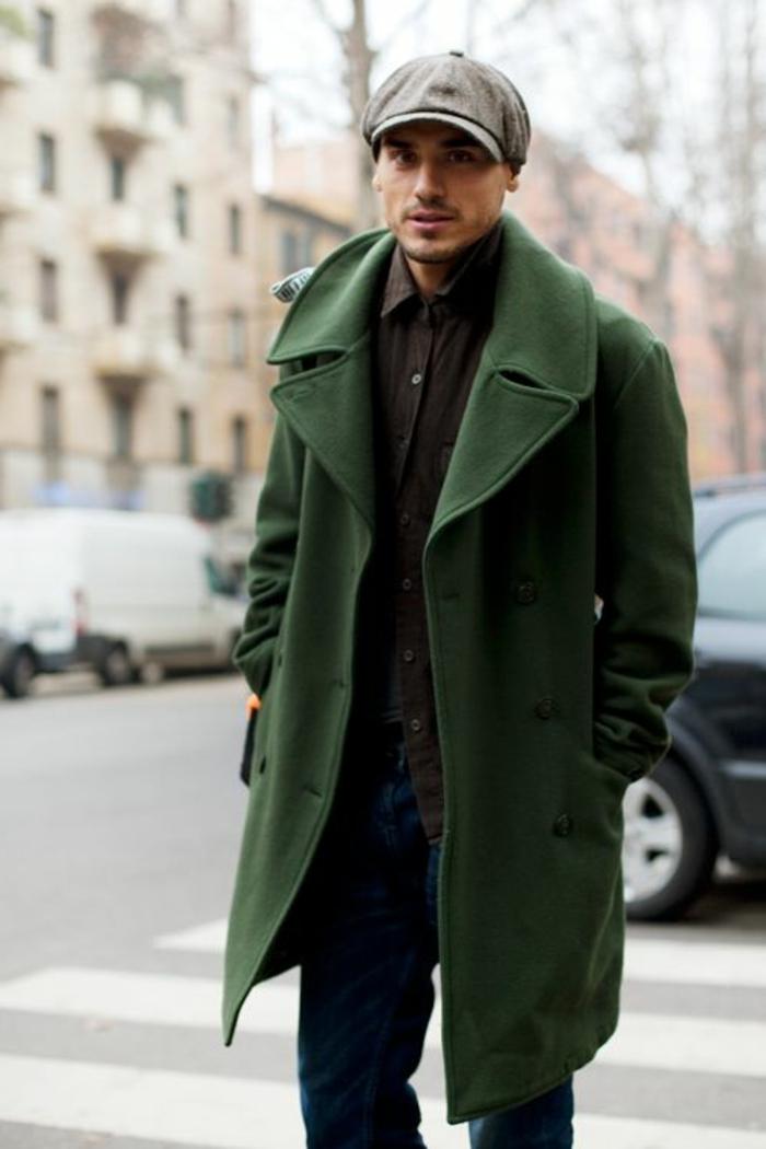 tendances-dans-la-mode-manteau-homme-celio-vert-foncé-avec-chapeau-masculin
