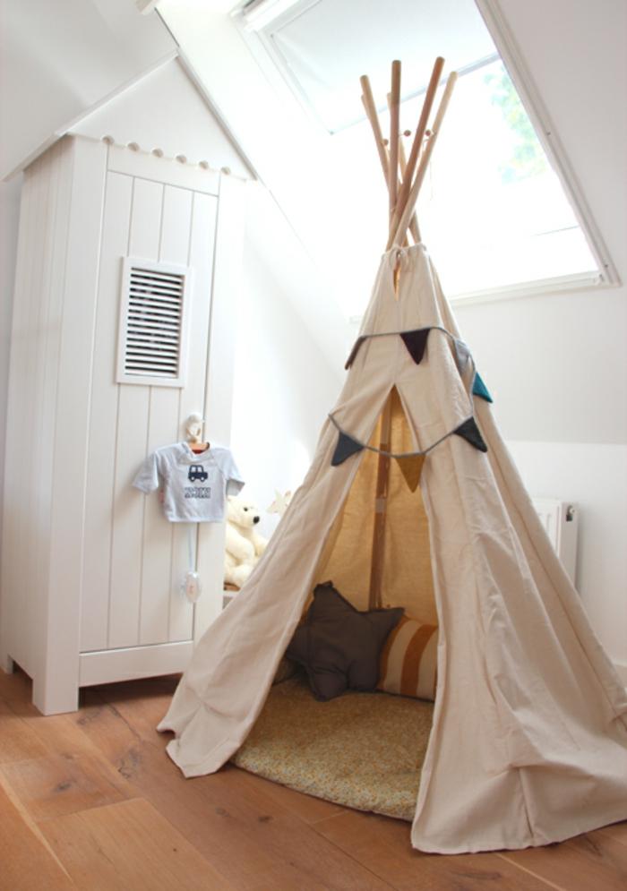 Chambre Princesse Carrosse : tente-tipi-tente-tipi-enfant-construire-un-tipi-intérieur-hippe