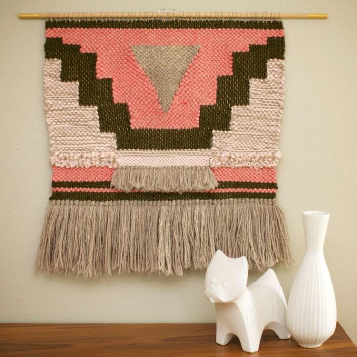 tentures-murales-gamme-pastel-motifs-aztèques-en-rose