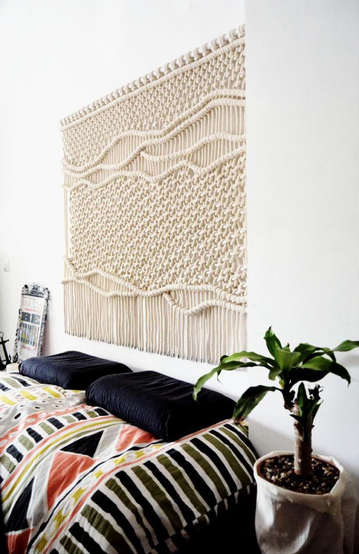 tentures-murales-grosse-maile-écharpe-blanche