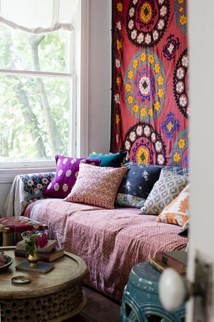 tentures-murales-salon-boho-hippie-chic-tapisserie-murale-décorative
