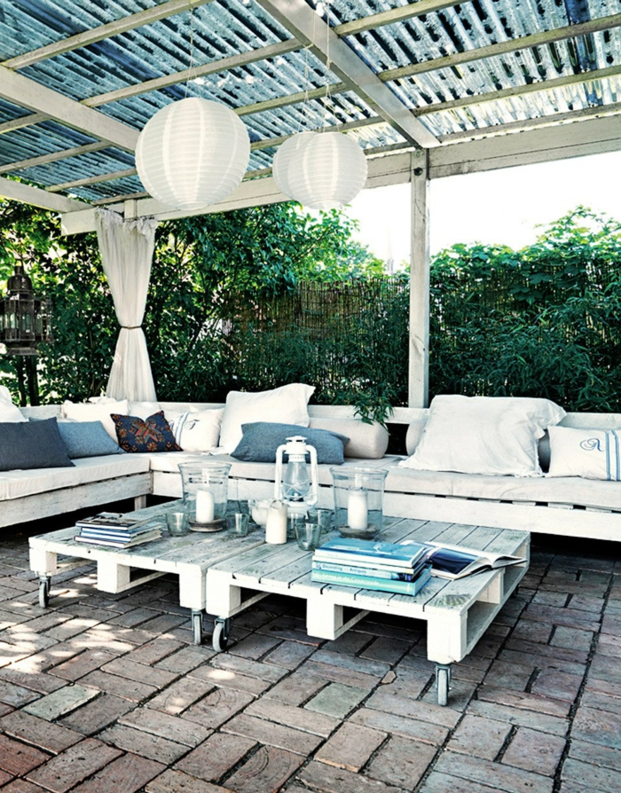 terrasse-en-palette-table-basse-palette-cool-table-basse-en-palettes-jardin