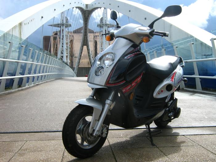 transportation-écologique-pour-la-cité-vespa-électrique-idée