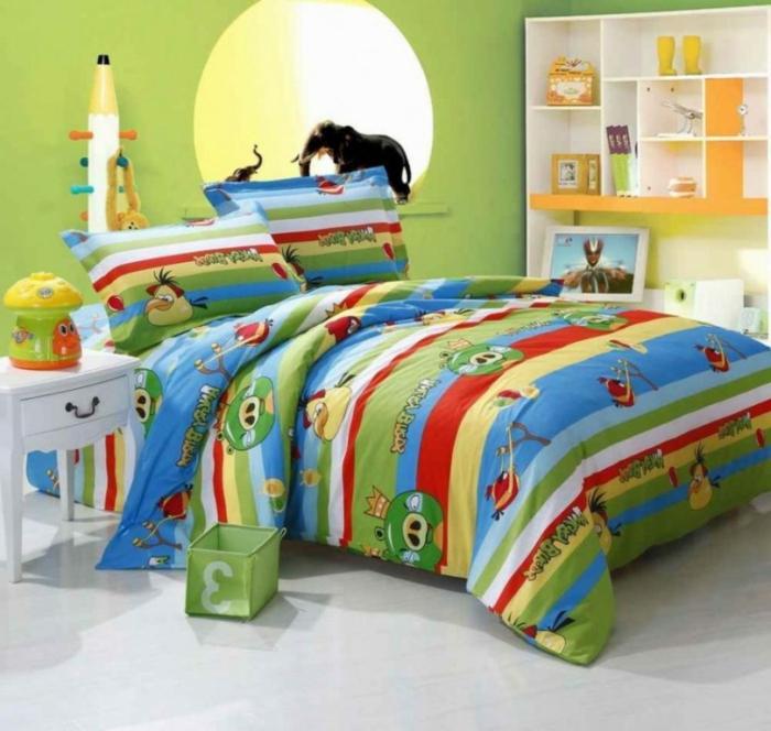 un-luminaire-enfant-decoration-chambre-mignon-angry-birds