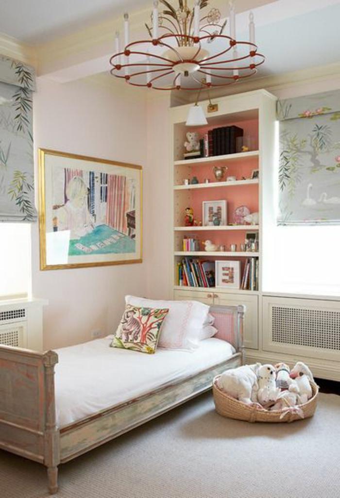 un-luminaire-enfant-decoration-chambre-mignon-lit