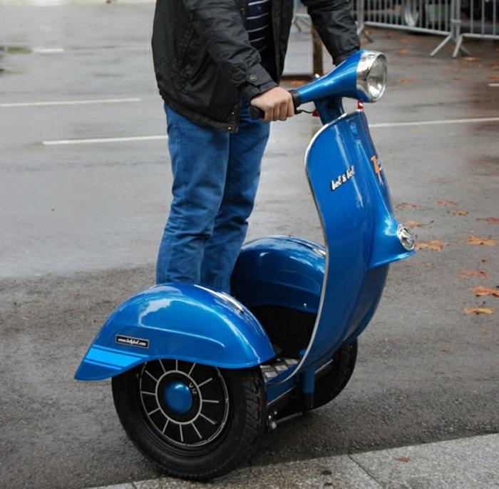 vespa-moderne-scooter-vespa-occasion-idée-écologique-bleu