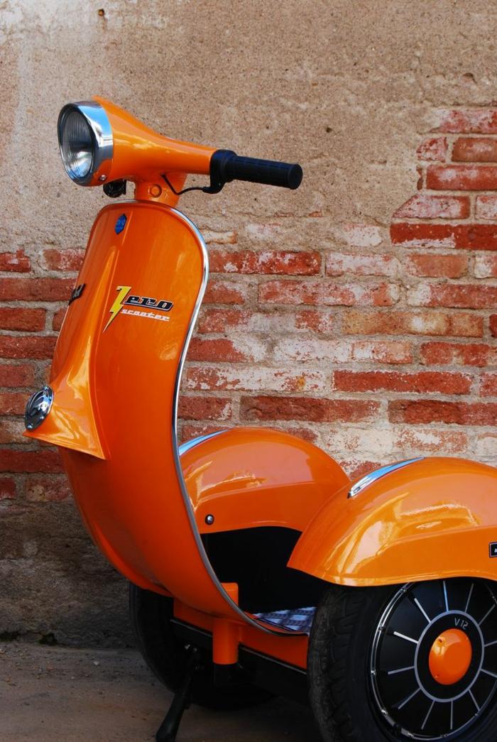 vespa-px-125-scooter-stylé-pour-la-cité-transport-rue