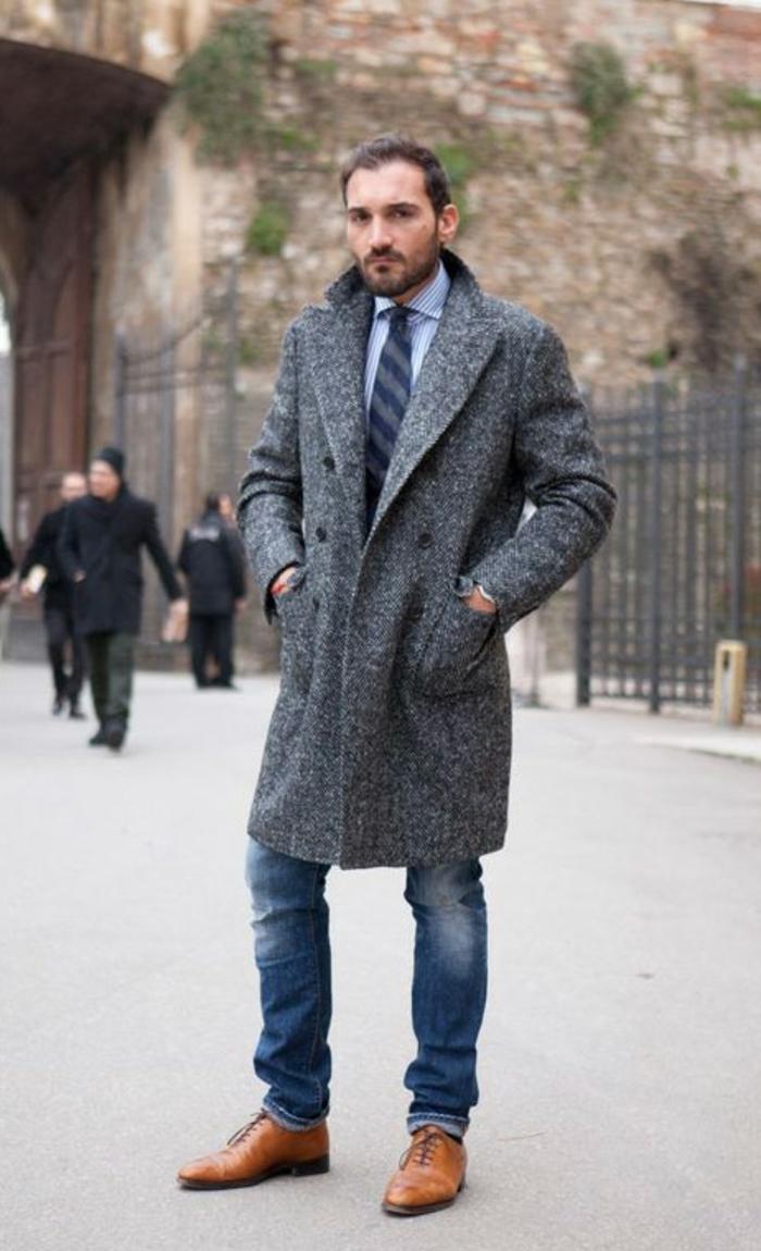 veste-homme-caban-gris-homme-zara-homme-sur-la-rue