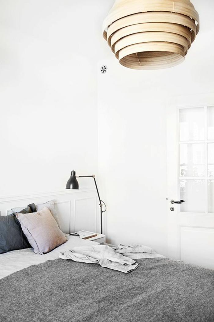 violet-clair-chambre-mauve-décoration-originale-blanc-et-gris