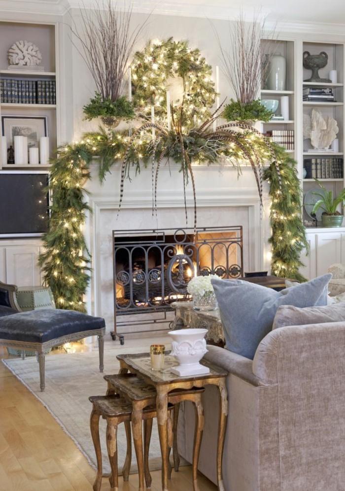 0-guirlandes-lumineuses-guirlande-noel-pour-le-salon-moderne-avec-cheminee-d-interieur