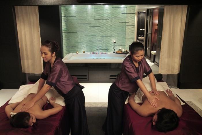 Massage asiatique coquin avec caresse et doigtage en - Branlette au salon de massage ...