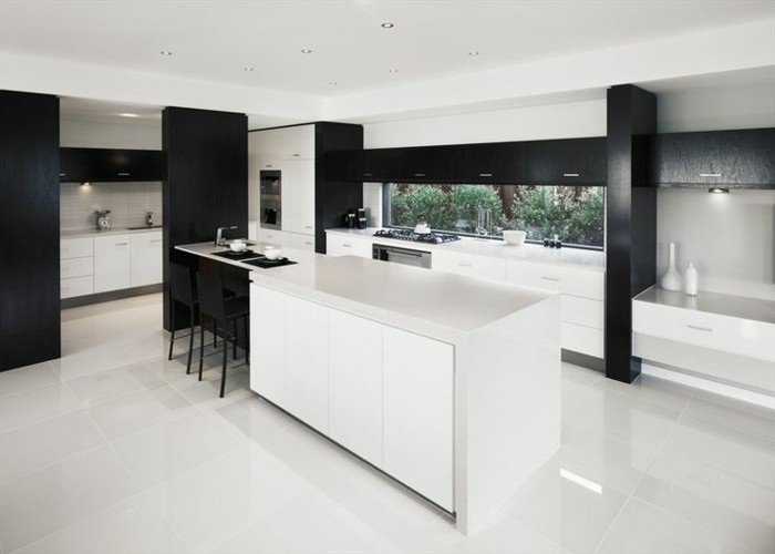 Carrelage cuisine noir brillant maison design for Cuisine blanc brillant