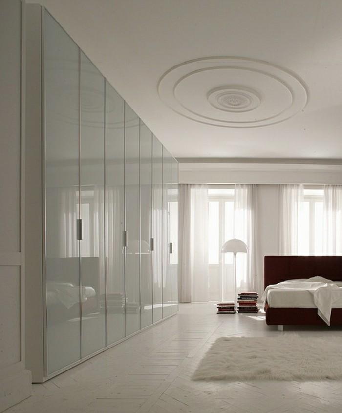 0-les-meilleures-portes-de-placard-en-verre-joli-chambre-à_coucher-design-de-couleur-blanche