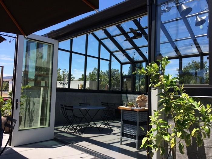 0-veranda-en-verre-joli-terasse-bioclimatique-en-verre-fenetres-en-verre-fabricant-veranda