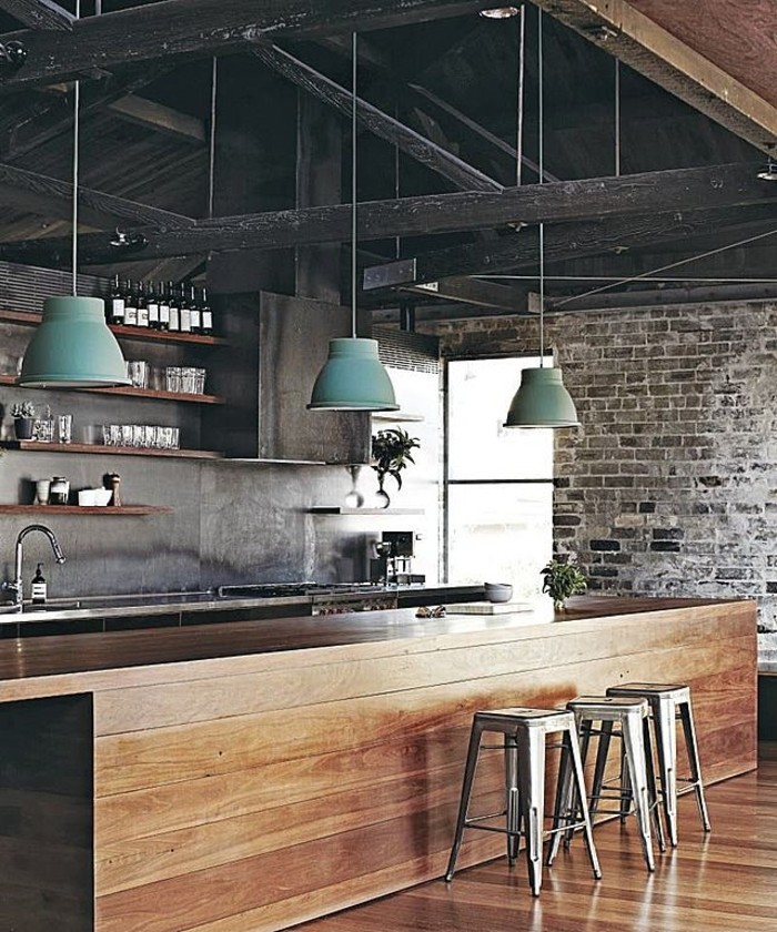 1-Idée-design-lampes-design-originale-un-bar-intérieur-industriel