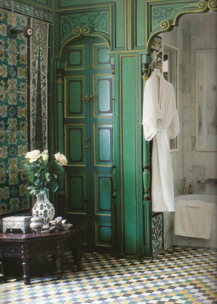 1-alinea-salle-de-bain-meuble-de-couleur-bleu-salle-de-bain-exotique-design