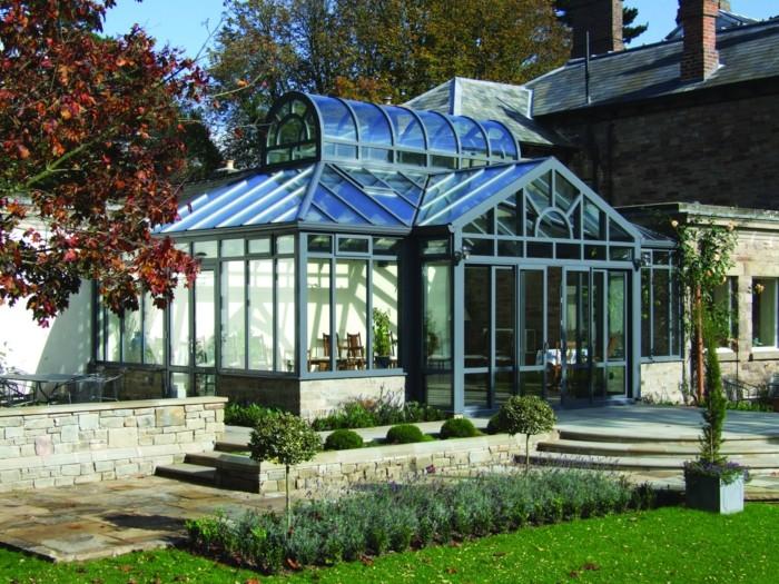 1-bioclimatique-veranda-bioclimatique-terasse-fabricant-veranda-pelouse-en-verre-sol-en-pierre