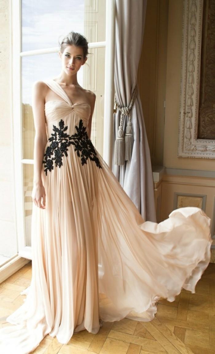 1-comment-choisir-la-meilleure-robe-habillée-pas-cher-robe-de-soire-de-couleur-beige