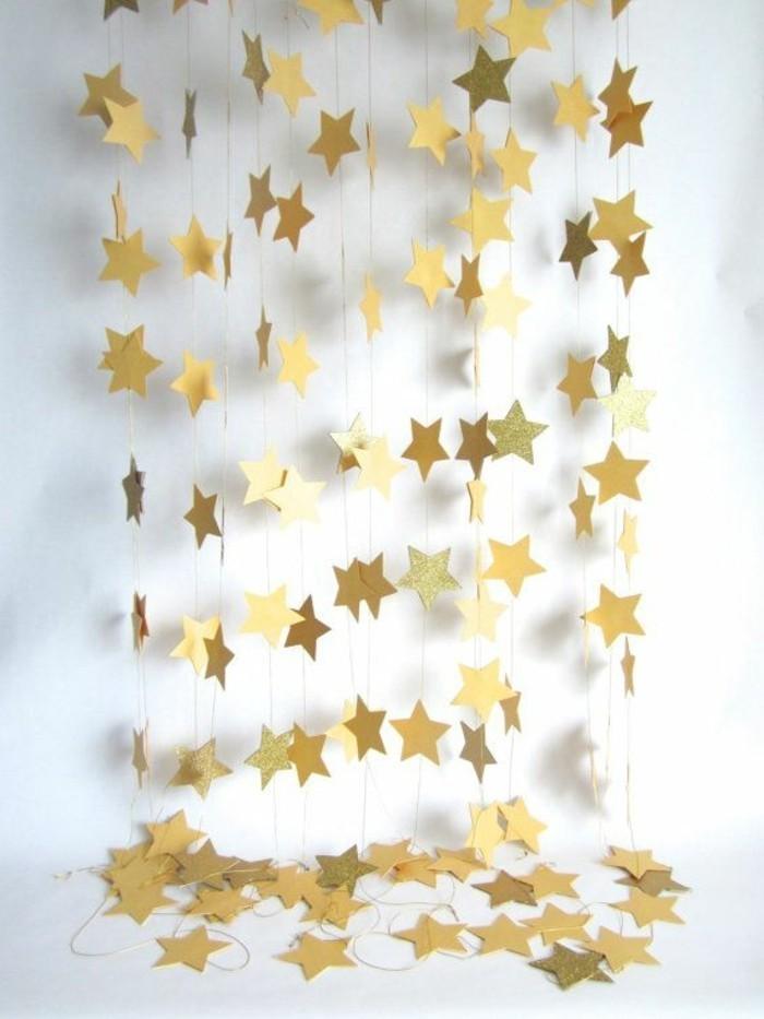 1-deco-noel-exterieur-gifi-deco-noel-etoiles-en-papier-pour-decorer-les-murs-dans-le-salon