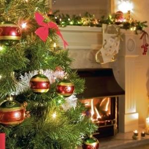 Les guirlandes lumineuses de Noël peut ajouter beaucoup de chic à l'intérieur! Voyez nos idées en photos!