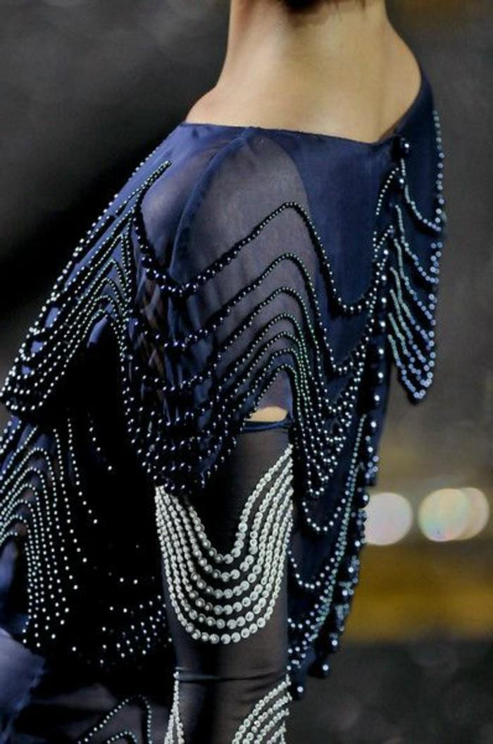 1-jolie-dos-avec-bijoux-robe-de-soirée-mango-robe-pour-le-nouvel-an-de-couleur-bleu-foncé