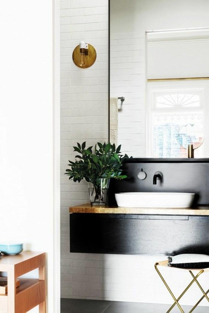 1-jolies-modeles-salles-de-bain-modele-salle-de-bain-italienne-mur-carrelage-blanc