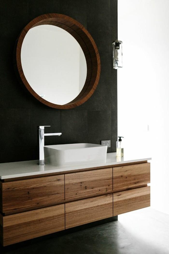 1-jolies-modeles-salles-de-bain-modele-salle-de-bain-italienne-mur-noir-miroir-mural-rond