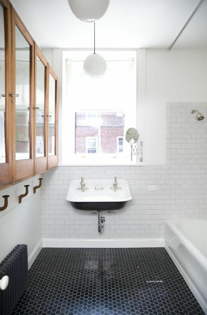 La salle de bain noir et blanc les derni res tendances for Modele de petite salle de bain