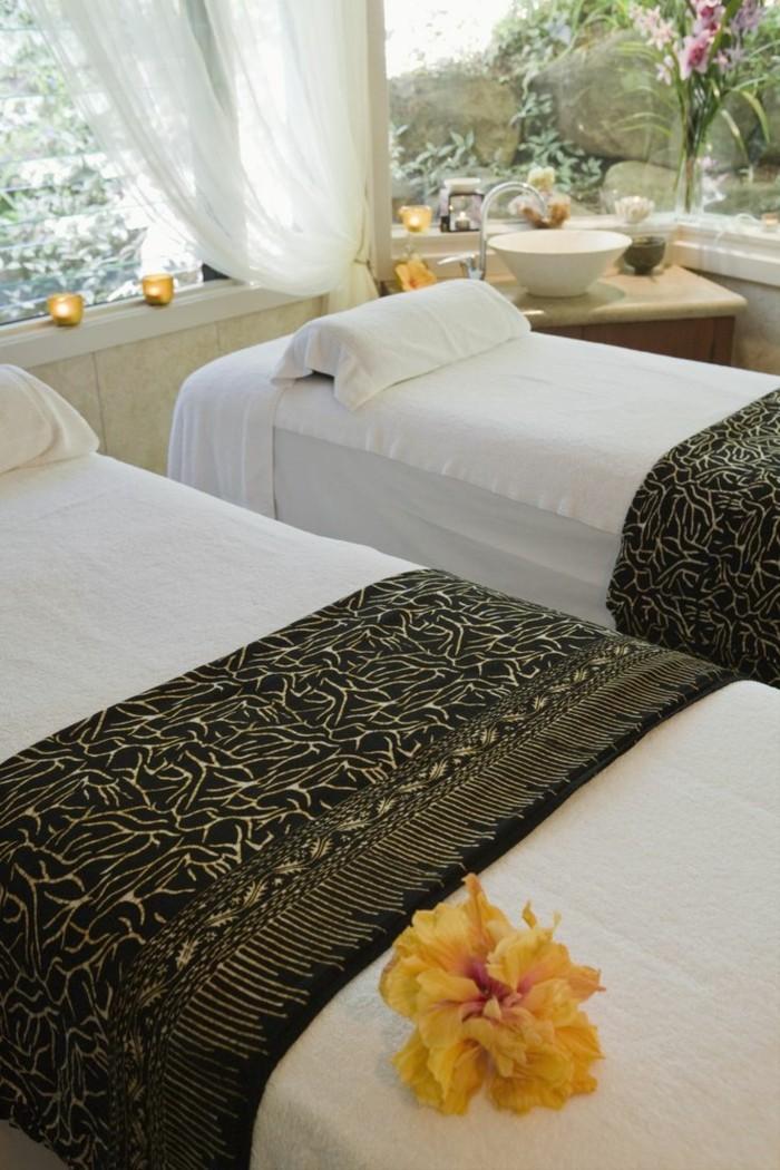 1-massage-asiatique-lille-studio-spa-pas-cher-spa-hammam-lille-lits-rideaux-blancs
