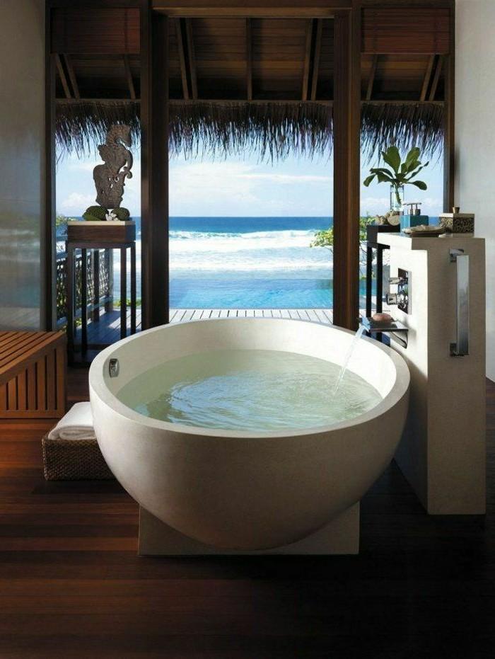 1-meuble-salle-de-bain-teck-ikea-baignoire-blanche-dans-la-salle-de-bain-moderne