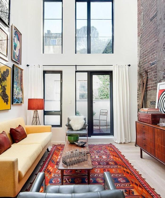 1-meuble-style-industriel-pas-cher-pour-loft-et-associé-tapis-berbere-colore-canape-en-cuir-beige