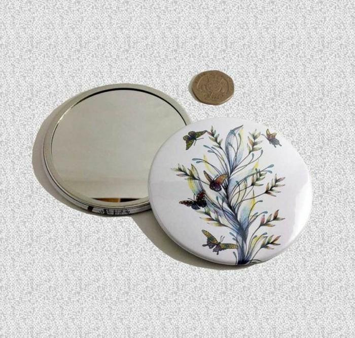 1-miroir-de-poche-personnalisé-cadeau-de-noel-original-rond-pour-un-joli-accessoire