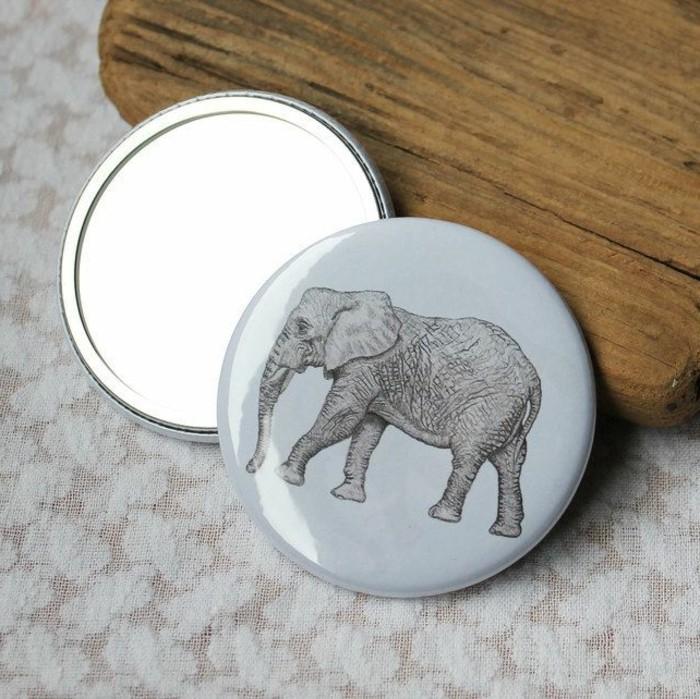 1-miroir-de-poche-personnalisé-de-couleur-gris-comment-bien-choisir-son-miroir-de-poche