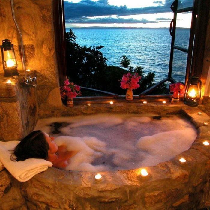 2-alinea-meuble-de-salle-de-bain-exotique-baignoire-en-pierre-joli-salle-de-bain-exotique