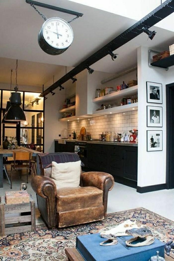 2-loft-et-associé-salon-style-industriel-tapis-colore-meuble-style-industriel-pas-cher