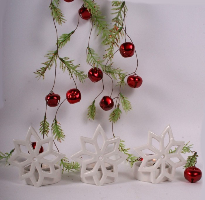 Charmant-photophore-pour-noel-deco-table-de-noel-belle-blanc-et-rouge